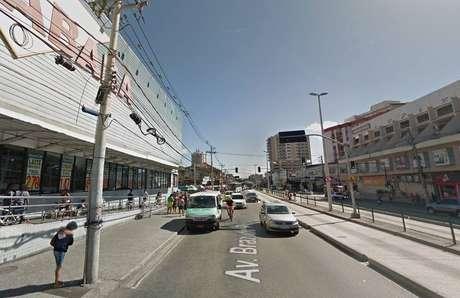Perseguição e tiroteio ocorreram perto de um supermercado na Penha
