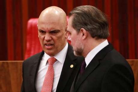 Os ministros do STF, Dias Toffoli e Alexandre de Moraes