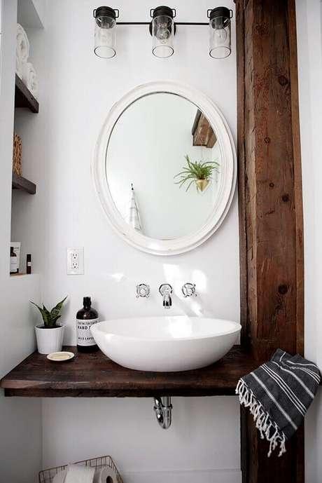33. O espelho é um elemento indispensável na decoração de lavabo – Foto: Pinterest