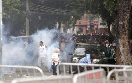 Confusão antes de Vasco e Fluminense, pela final da Taça Guanabara (Foto: Marcelo de Jesus/Raw Image)