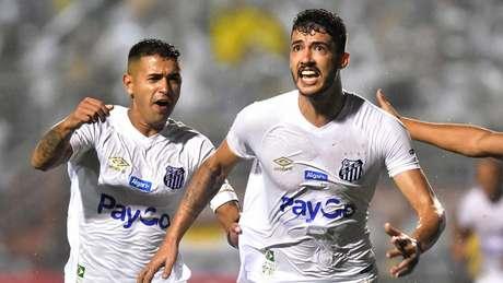 Titular desde o início da temporada, Gustavo faz parte dessa evolução (Foto: Eduardo Carmim/Photo Premium)