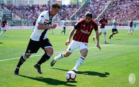 Milan e Parma empataram neste sábado (Foto: Divulgação)