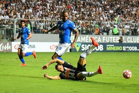 Ricardo Oliveira, jogador do Atlético-MG, durante a segunda partida contra o Cruzeiro, válida pela final do Campeonato Mineiro 2019