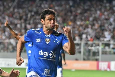 Fred, do Cruzeiro, comemora o seu gol contra o Atlético-MG, na decisão do Campeonato Mineiro 2019, no Estádio Independência