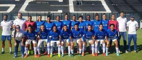 As meninas cruzeirenses chegaram aos seis pontos e estão na segunda posição da sua chave- Divulgação/Cruzeiro