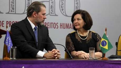Toffoli e Dodge travaram batalha sobre inquérito aberto de ofício pelo presidente do STF, excluindo o Ministério Público