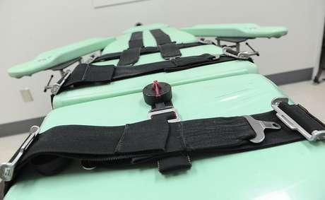 O uso do medicamento conhecido como midazolam na injeção letal foi questionado porque em alguns casos os presos tiveram mortes lentas e dolorosas