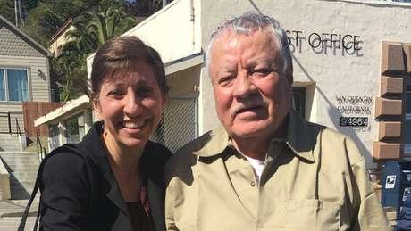Cristina Bordé e Vicente Benavides, pouco antes do momento em que ele deixou a cadeia