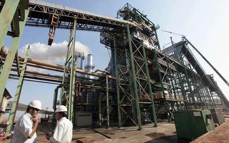 Usina de processamento de cana-de-açúcar em Valparaíso (SP)  18/09/2014 REUTERS/Paulo Whitaker