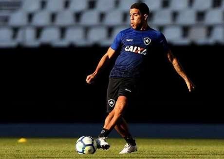 Yuri, que já jogou entre os profissionais, até em 2018, está de volta (Foto: Vitor Silva/SSPress/Botafogo)
