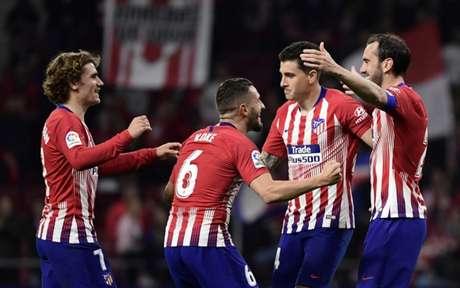 Atleti está a quatro pontos na frente do Real (Foto: Javier Soriano / AFP)