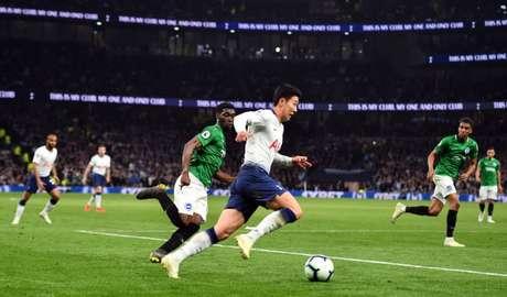 A equipe de Pochettino finalizou 28 vezes até chegar ao gol nos minutos finais (Foto: DANIEL LEAL-OLIVAS / AFP)