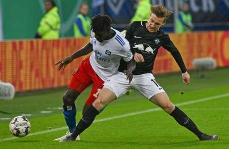 O Leipzig venceu o Hamburgo nesta terça-feira e está na final da Copa da Alemanha (Foto: PATRIK STOLLARZ / AFP)