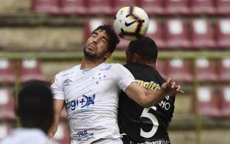 A Raposa controlou o jogo inteiro, sem sofrer qualquer pressão do Lara, mesmo fora de casa- (Foto: YURI CORTEZ / AFP)