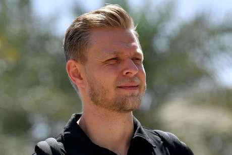 """""""Pneus não funcionam com cargas pesadas de combustível"""", diz Magnussen"""
