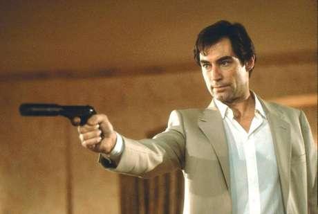 Timothy Dalton, conhecido pelo papel do agente em Licença para Matar