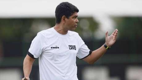 Valadares comandou o time contra o Santos (Foto: Rafael Ribeiro / Vasco)