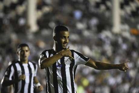 O Santos perdeu por 2 a 1 para o Vasco na noite desta quarta-feira, em São Januário, mas avançou às oitavas de final da Copa do Brasil