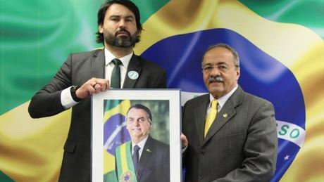 Sobrinho do Bolsonaro, Léo Índio ganha novo cargo no Senado