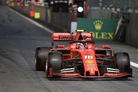 GP do Azerbaijão: Ferrari domina o TL2 com Leclerc à frente de Vettel