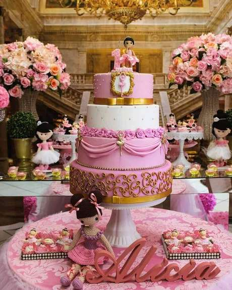 2af6563617 A combinação de rosa e dourado é certeza de uma festa bailarina super  sofisticada