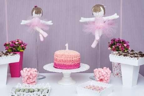 f551ef096f Decoração simples e delicada para festa bailarina rosa e lilás – Foto   Pinterest