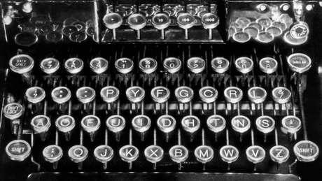 O teclado criado por August Dvorak agrupa letras que frequentemente são usadas juntas