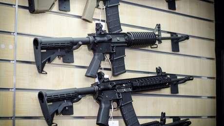 Comércio de armas soma US$ 100 bilhões por ano