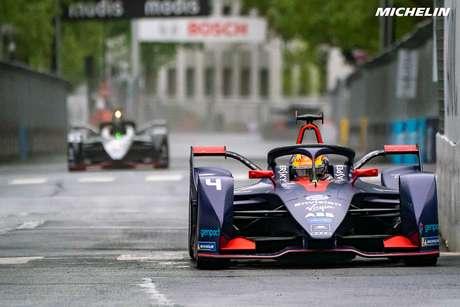 Robin Frijns vence o ePrix de Paris marcado por bandeiras amarelas e Safety Car