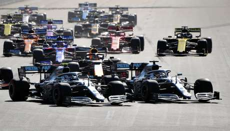 Bottas vence e assume a liderança do mundial, enquanto a Mercedes fatura a 4ª dobradinha em 2019