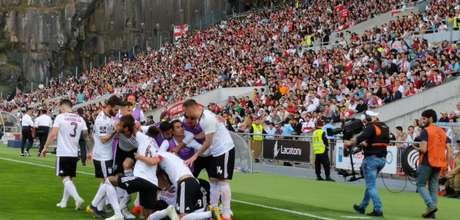 Benfica abriu dois pontos de vantagem sobre o Porto (Foto: Reprodução)