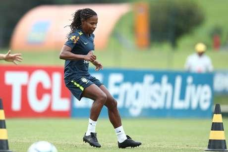 Formiga durante treino da Seleção Brasileira