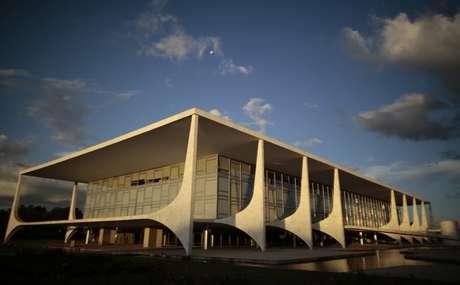 A fachada do Palácio do Planalto, sede do governo federal