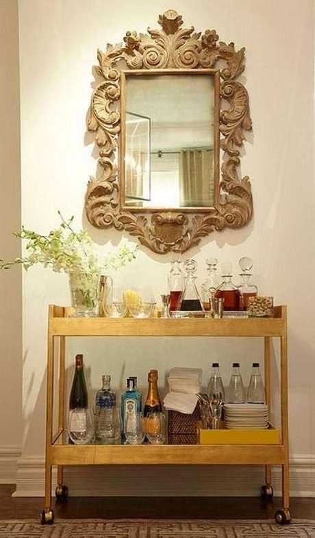 14. O espelho provençal pode ser usado em praticamente todos os ambientes da casa – Foto: Correia Construtora e Incorporadora