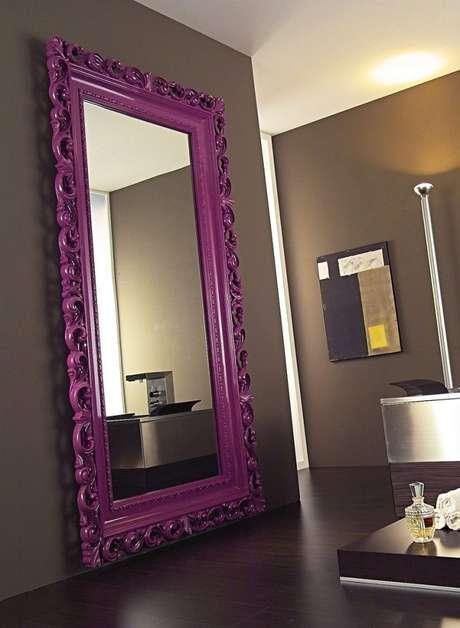 32. Utilize o espelho moldura provençal colorida para colocar um toque mais alegre nos ambientes – Foto: Yandex