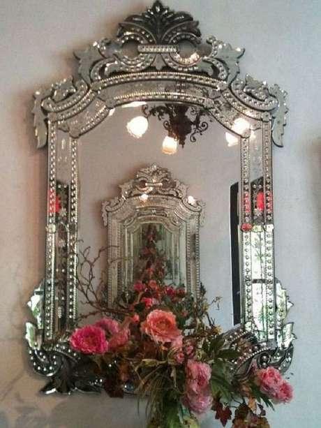 49. Espelho com moldura provençal espelhada – Foto: Venetian Design