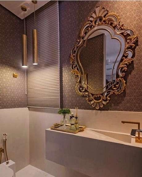 50. Utilize o espelho com moldura provençal para colocar mais sofisticação nos ambientes – Foto: Pinosy