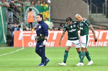 Atacante Ricardo Goulart tem lesão durante partida válida pela primeira rodada do campeonato Brasileiro de 2019, no Allianz Parque