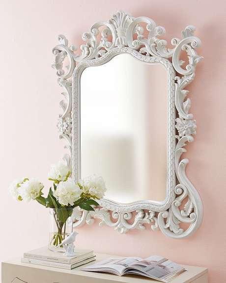 56. Modelo de espelho provençal branco – Foto: Neiman Marcus