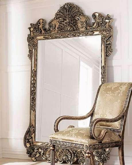 59. Modelo de espelho moldura provençal grande – Foto: Mirro Ideas