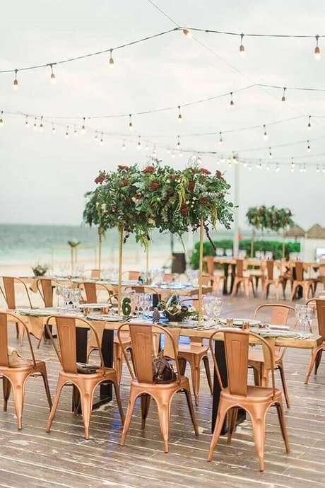 47. Decoração simples para festa de casamento ao ar livre – Foto: Wedding Theme