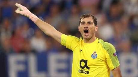 Casillas sofre infarto em treinamento do Porto