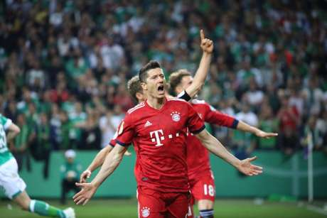 Lewandowski deve ficar no clube (Foto: Divulgação/Twitter Bayern)
