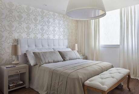 6 – Decoração de quarto de casal simples em tons neutros. Projeto de Sthel Fontenelle Arquitetura