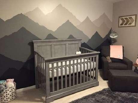 38 – Berço na cor cinza compõe a decoração de quarto simples do bebê. Fonte Pinterest