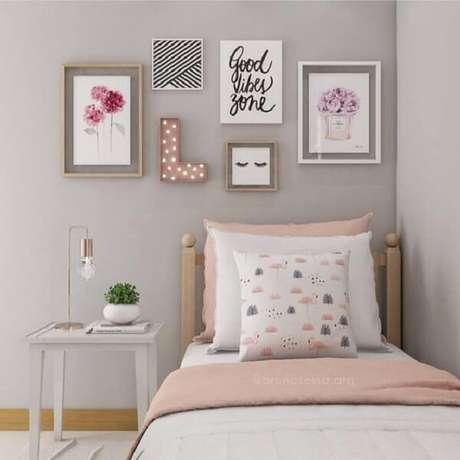 3 –Decoração quarto de menina simples nos tons rosa e cinza. Fonte: Pinterest