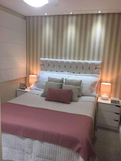 65 – Pontos de luz complementam a decoração de quarto simples. Fonte: Casa Cláudia