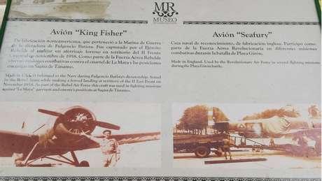 Uma placa no Museu da Revolução conta a história do avião que Bascaro diz ter pilotado