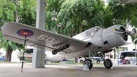 No Museu da Revolução, está o avião Vought Kingsfisher da Marinha cubana