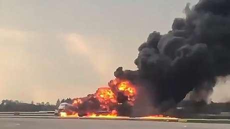 O avião tinha acabado de decolar do aeroporto de Sheremetyevo quando pegou fogo